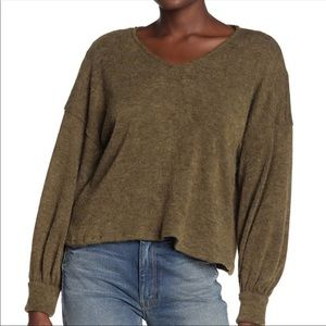 Abound V neck dolman sleeve pullover sweater small